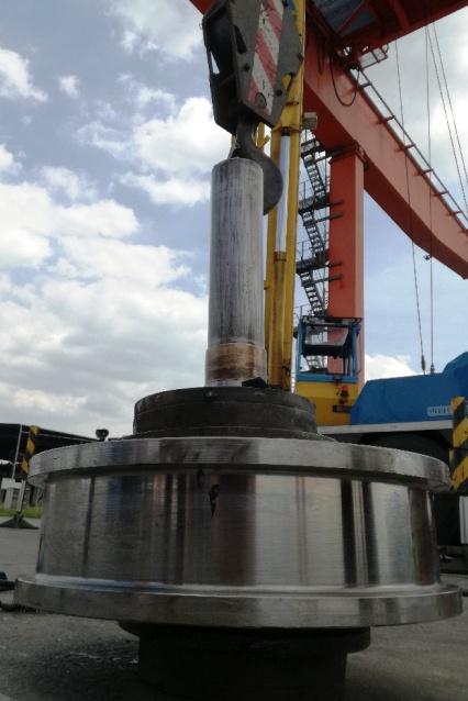 Wymiana koła jazdy wciągarki suwnicy kontenerowej Oproject